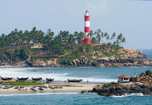 kovalam-lighthouse-beach