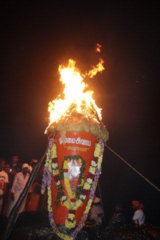thiruvannamalai-deepam-prompt-travels