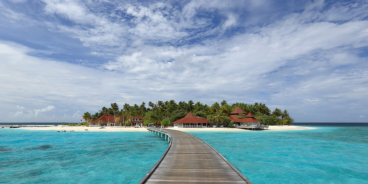 1280px-Coral_Island